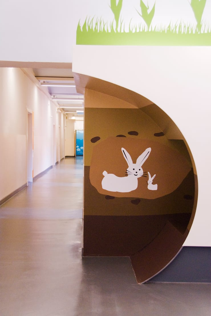 """Themenwelt """"Wüste"""": moderne Kinderzimmer von SEHW Architektur GmbH"""