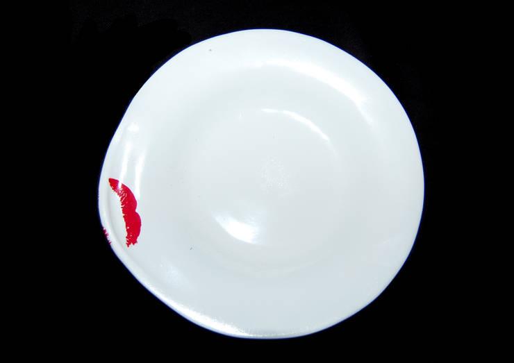Platefulips: Cucina in stile  di Conforti Tina Designer