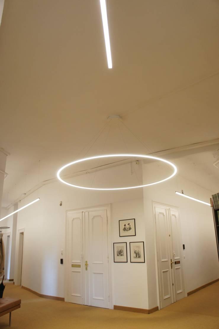 Oficinas y tiendas: Ideas, imágenes y decoración | homify de lichtundobjektberatung.de
