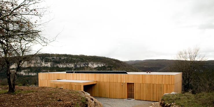 Maison Br: Maisons de style  par Yann Ouvrieux Architecte