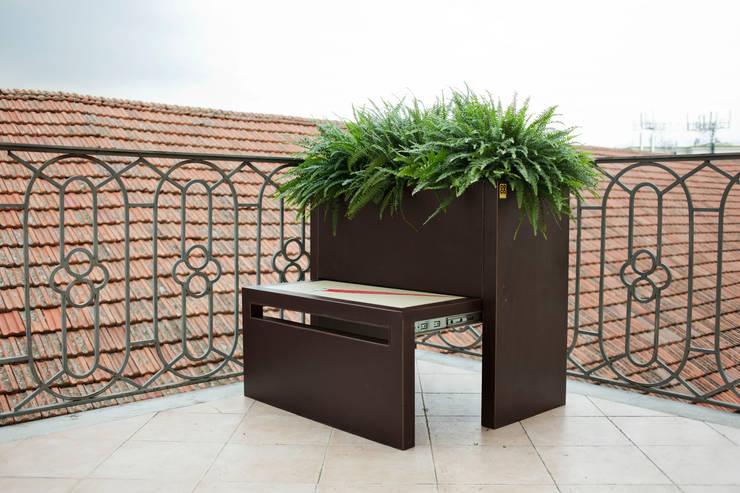 Projekty,  Ogród zaprojektowane przez Conforti Tina Designer