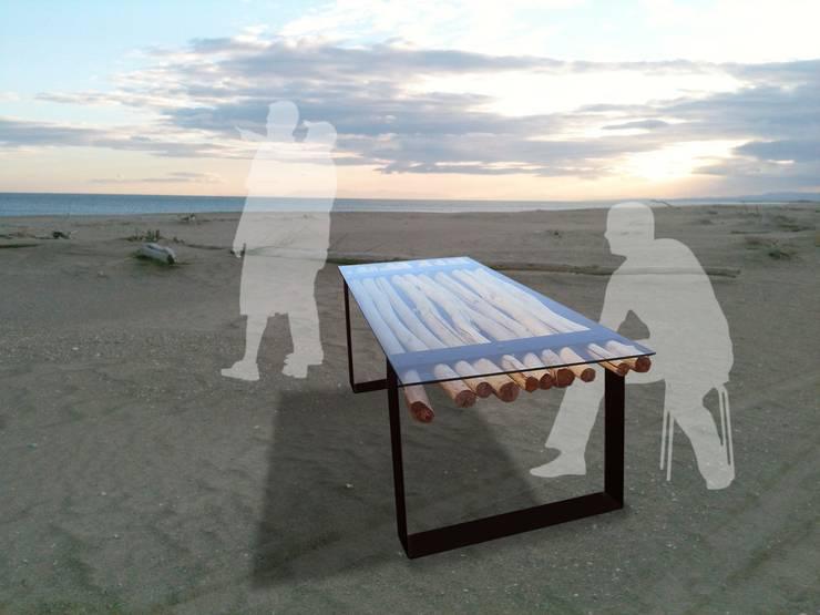 tables en bois flotté: Salle à manger de style  par deco-nature