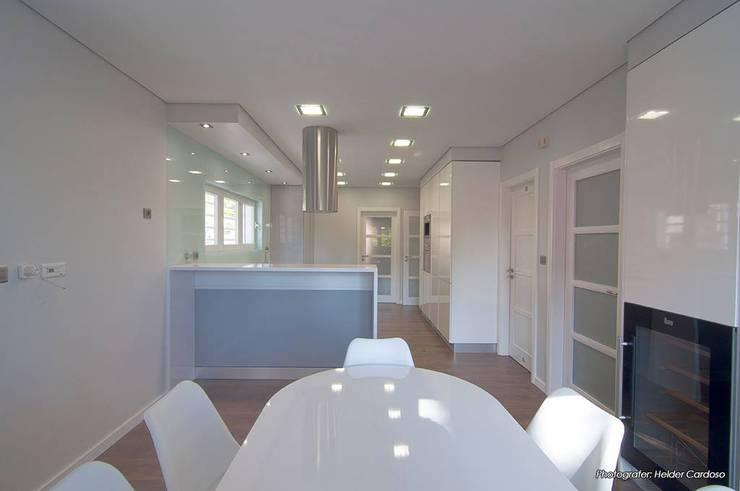 مطبخ تنفيذ Stoc Casa Interiores