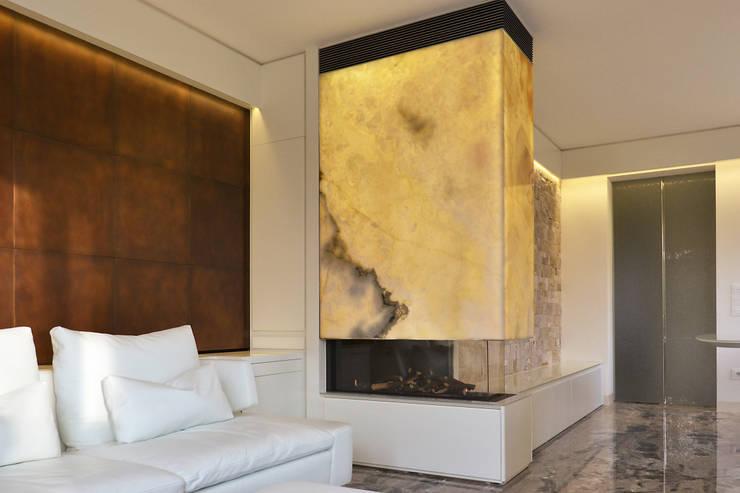Salones de estilo  de Andrea Girotto Architetto