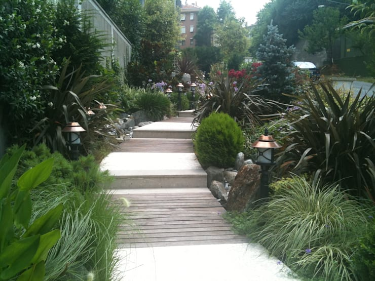 Tarabya Ruya Residence:  Garden by Bahce Tasarim