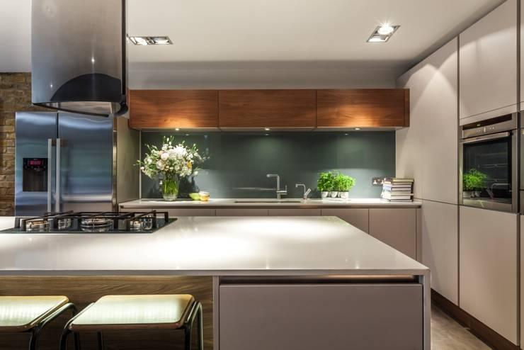Kitchen:  Kitchen by Casey & Fox Ltd
