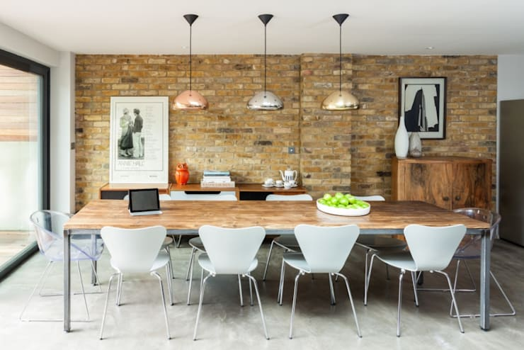 Dining Space: eclectic Kitchen by Casey & Fox Ltd