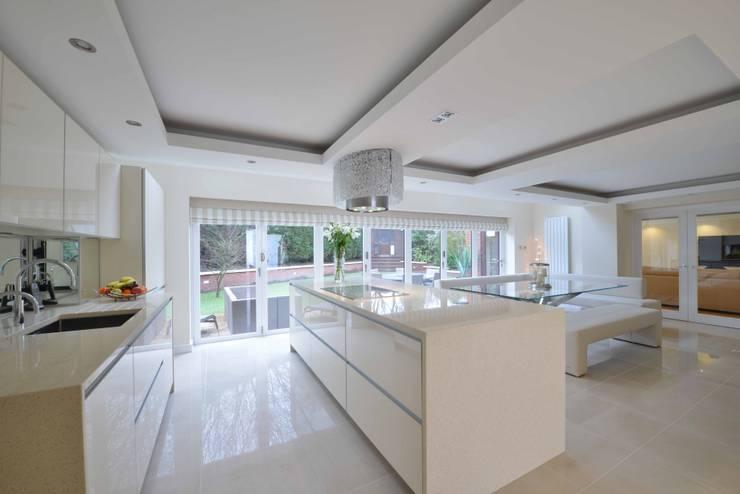 MARK & RACHEL'S KITCHEN:  Kitchen by Diane Berry Kitchens