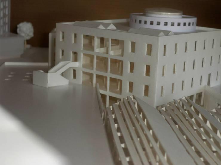 efficient energy buildings <q>una biblioteca per catania</q>: Sala multimediale in stile  di Archisolving, soluzioni d'architettura NZEB