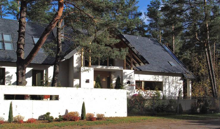 Dom Olsztyn : styl , w kategorii Domy zaprojektowany przez CAA ARCHITEKCI