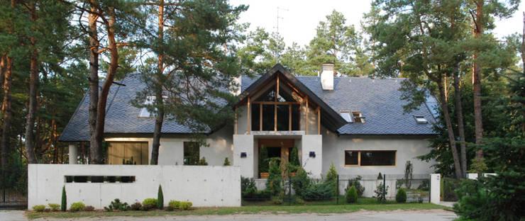Dom Olsztyn : styl , w kategorii Domy zaprojektowany przez CAA ARCHITEKCI,