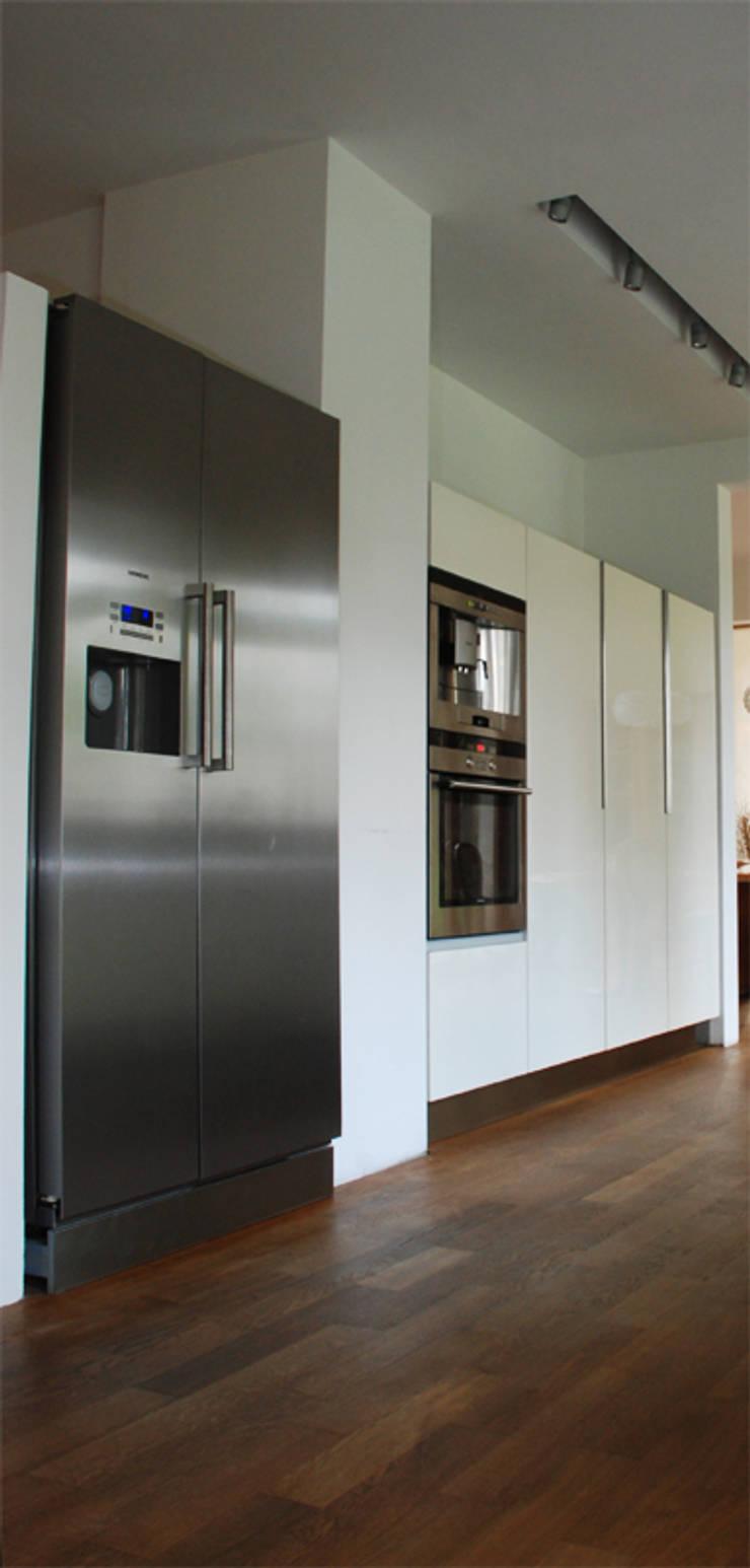 Dom Olsztyn : styl , w kategorii Kuchnia zaprojektowany przez CAA ARCHITEKCI,