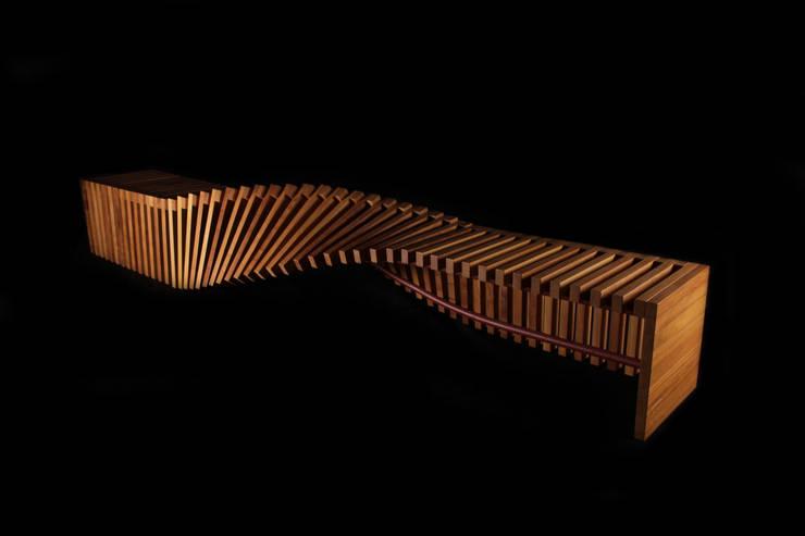 S URBAN Bench Iroko Edition: Arte de estilo  de Verónica Martínez Design
