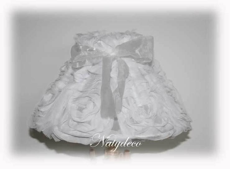 abat jour en tissu: Maison de style  par Natydeco