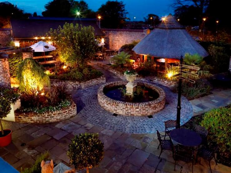 "The ""Mulberry"" Garden:  Hotels by Kevin Cooper Garden Design"