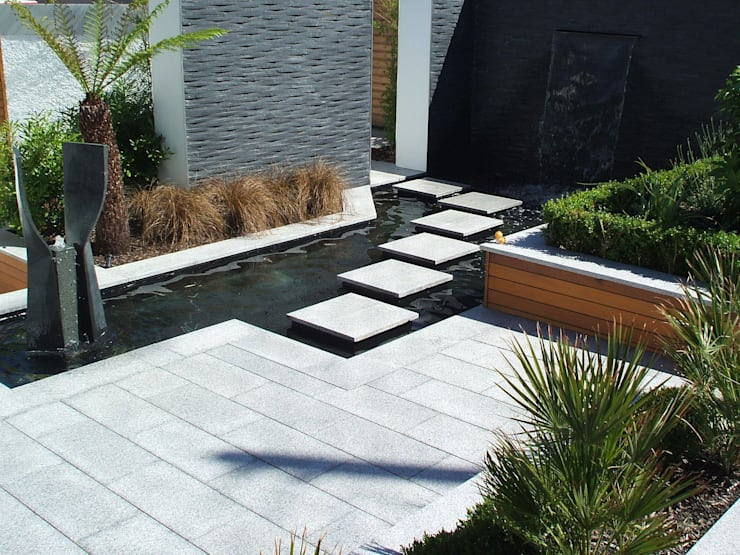 A Contemporary <q>Oasis</q>:  Garden by Kevin Cooper Garden Design