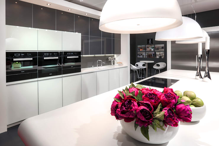 GRAND DESIGNS LIVE 2014:  Kitchen by Diane Berry Kitchens