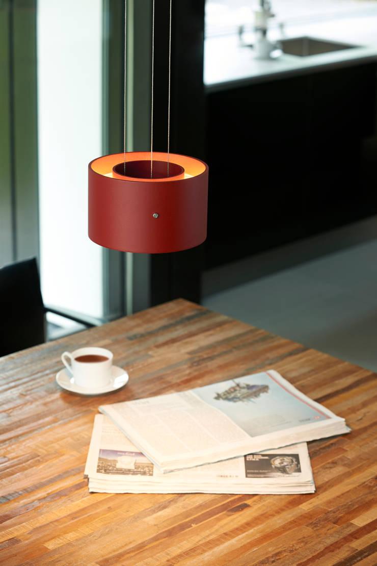 TROFEO: modern  von OLIGO Lichttechnik GmbH,Modern