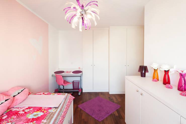Möbel für Kinderzimmer: moderne Kinderzimmer von deinSchrank.de GmbH