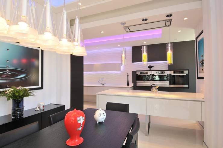 ANDREW'S KITCHEN:  Kitchen by Diane Berry Kitchens