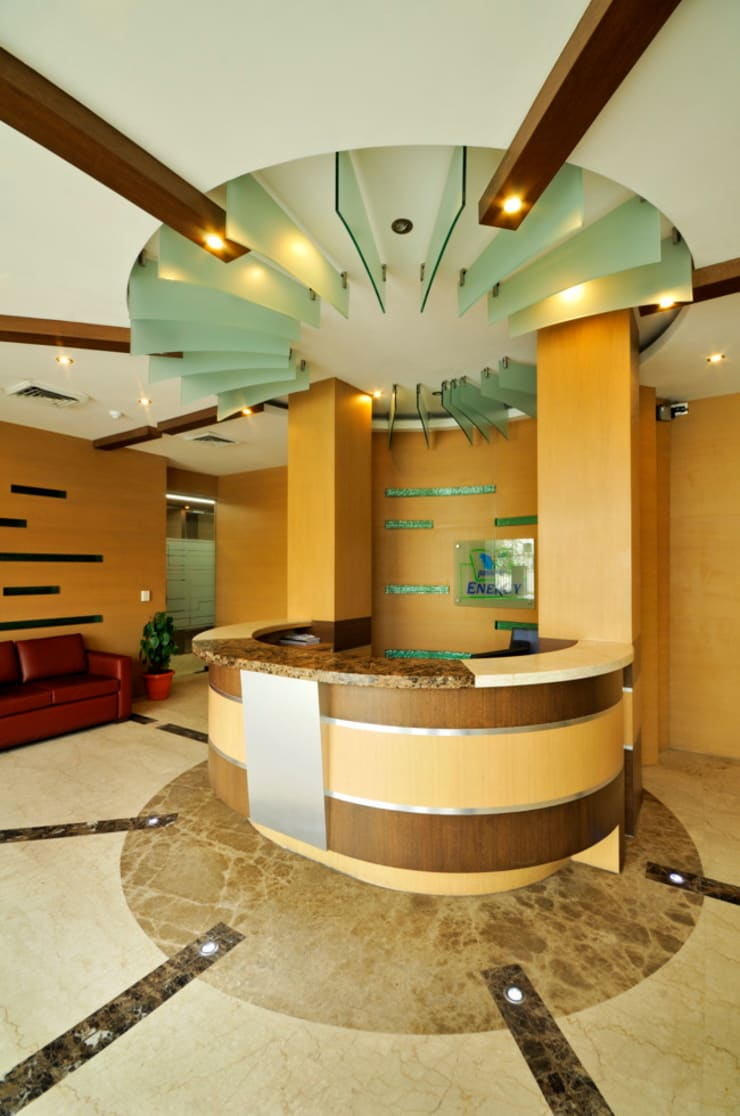 Commercial Projects :  Office spaces & stores  by Vijay Kapur Designs