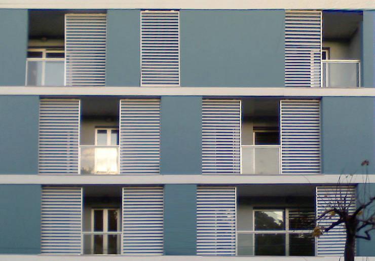 Terraços  por Laura Marini Architetto