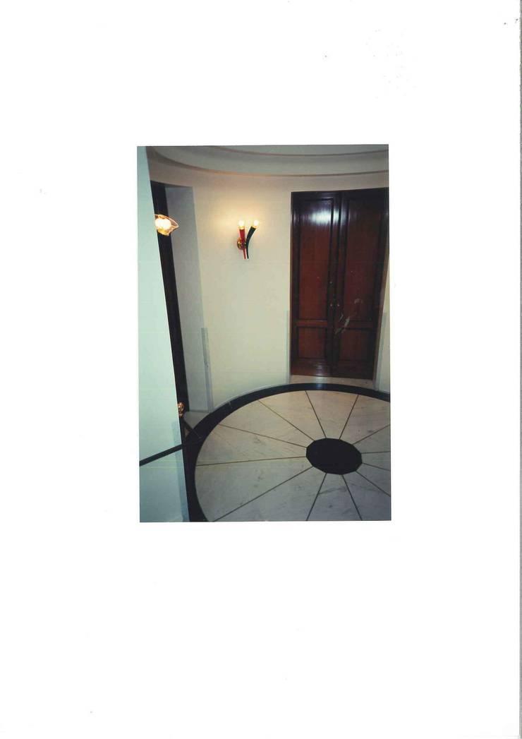 CASA STILE INGLESE: Casa in stile  di STUDIO AMATORI ARCHITETTURA & DESIGN