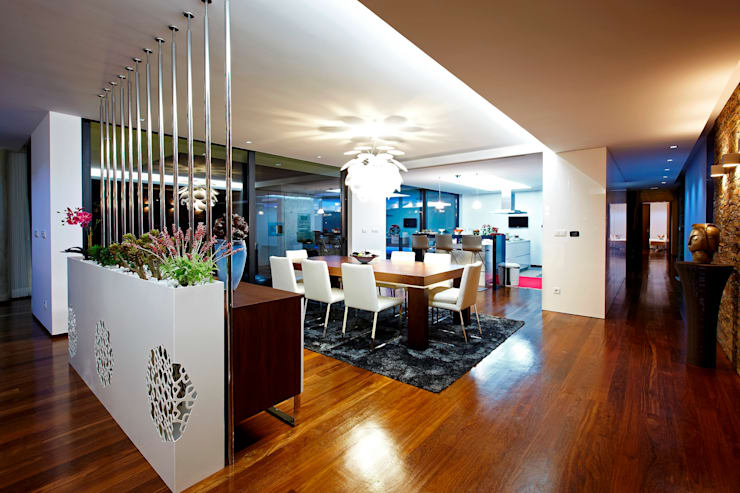 Dining room by Risco Singular - Arquitectura Lda