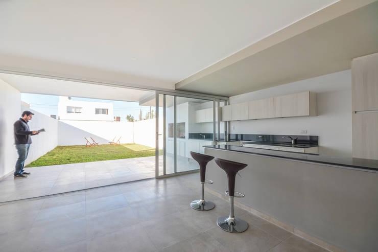 ห้องครัว by Estudio A+3