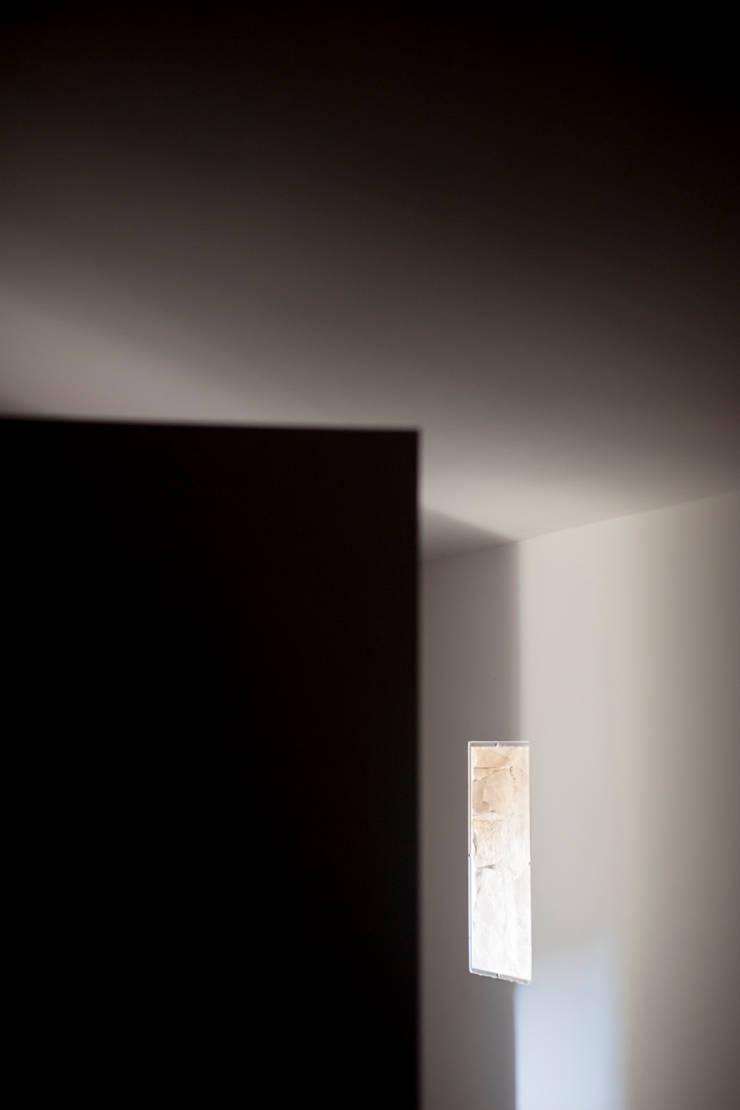Casa JIR, Majones (Huesca): Paredes de estilo  de DMP arquitectura
