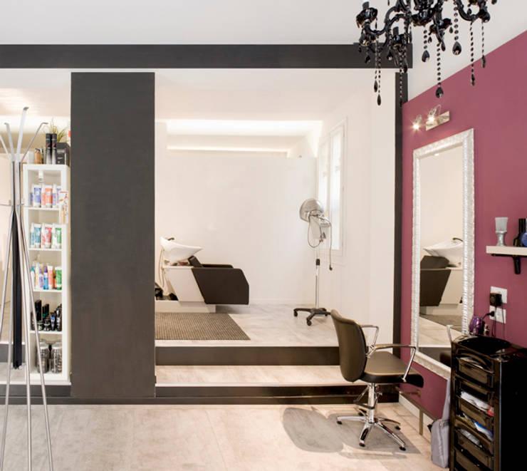 Salone parrucchiere:  in stile  di BRENSO Architecture & Design, Minimalista