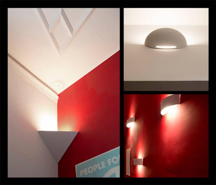 Dettagli illuminazione: Case in stile  di BRENSO Architecture & Design