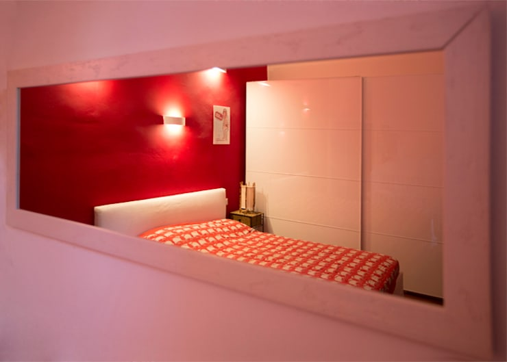 Camera da letto matrimoniale: Camera da letto in stile  di BRENSO Architecture & Design