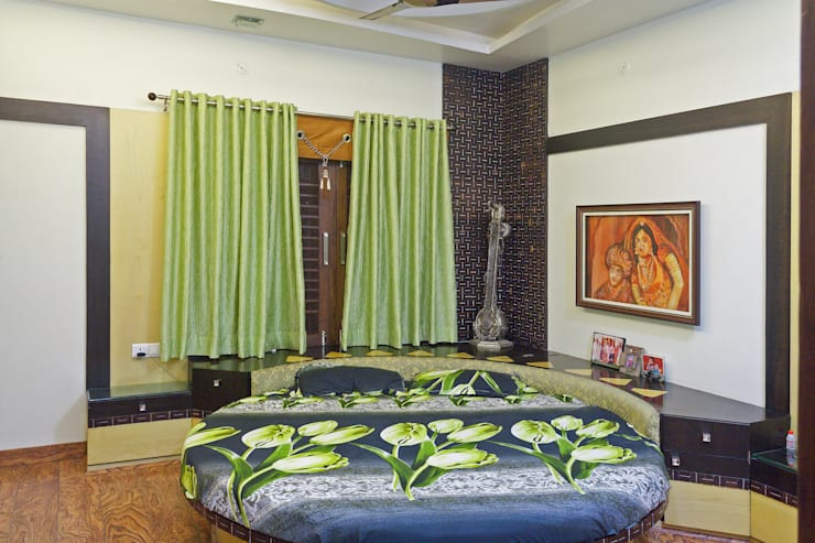 Jain bungalow:   by Gupta's Asso.Architects pvt.ltd.