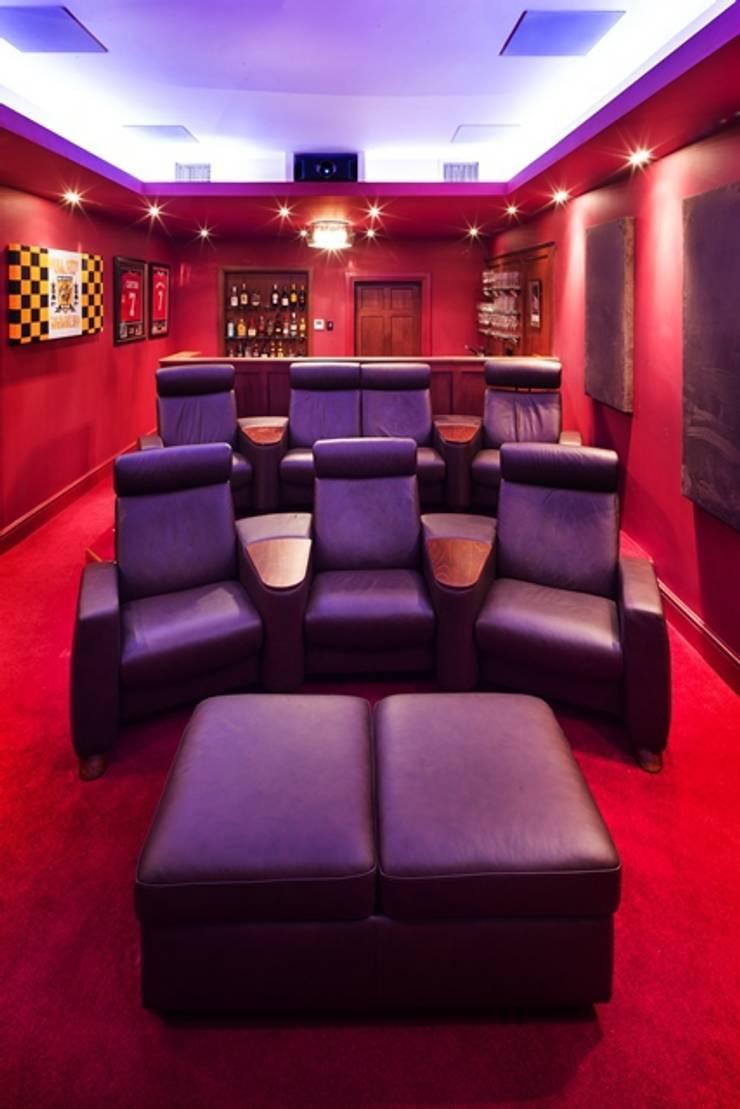Elizabethan Mansion:  Media room by Inspire Audio Visual
