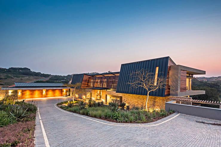 Casas modernas por Metropole Architects - South Africa
