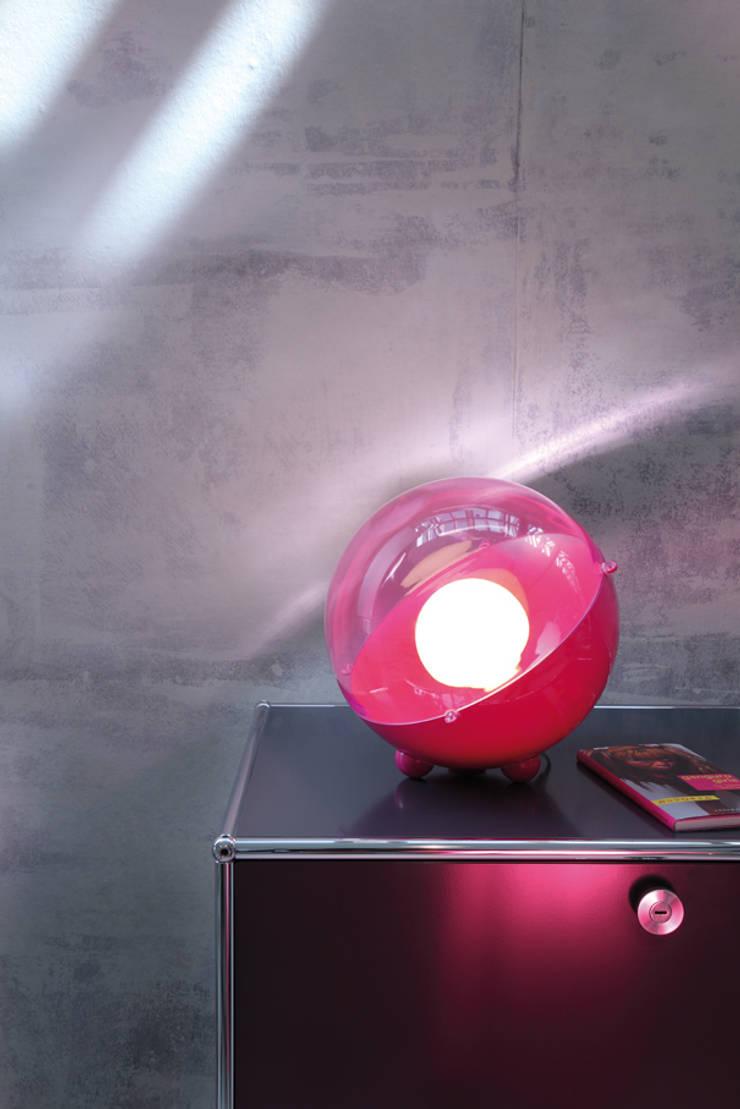 ORION Bodenleuchte pink:  Wohnzimmer von koziol »ideas for friends GmbH,