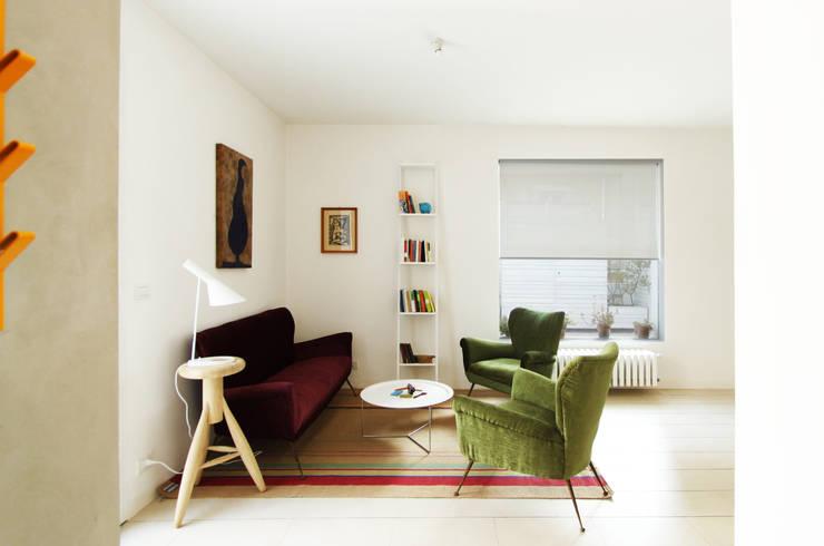 Salas de estilo minimalista por GIUSEPPE GURRIERI