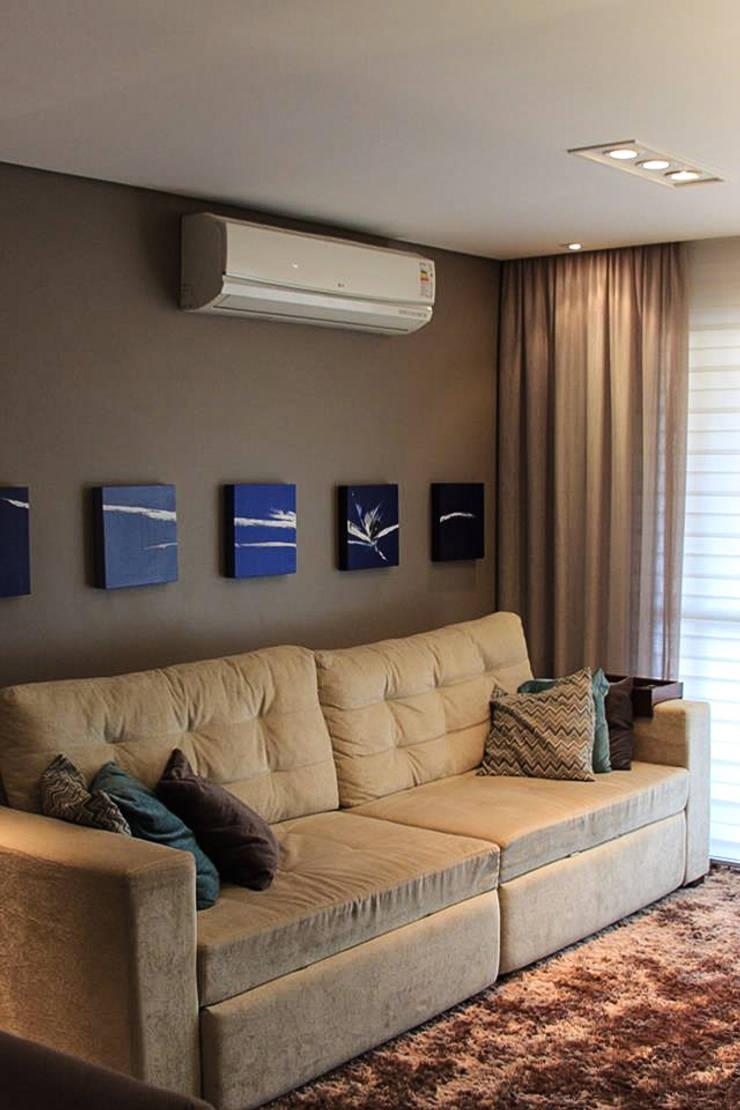 Sala de estar: Salas de estar  por Studio Gorski Arquitetura