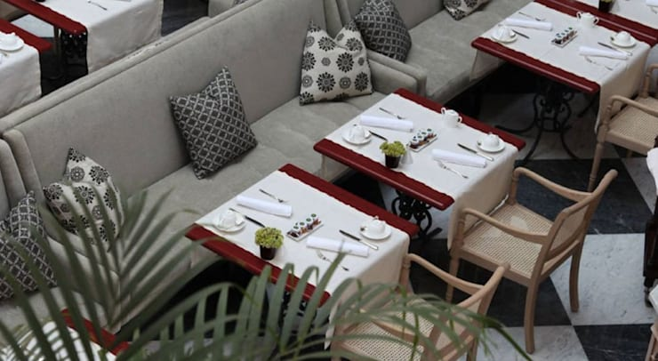 Área de Refeições: Sala de jantar  por Larforma