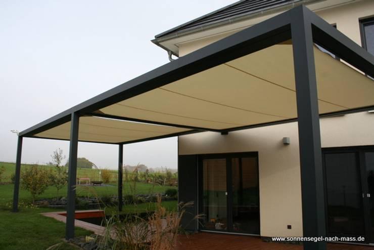 Die Cubola verbindet Zweck, Design und Architektur.: modern  von Textile Sonnenschutz- Technik ,Modern