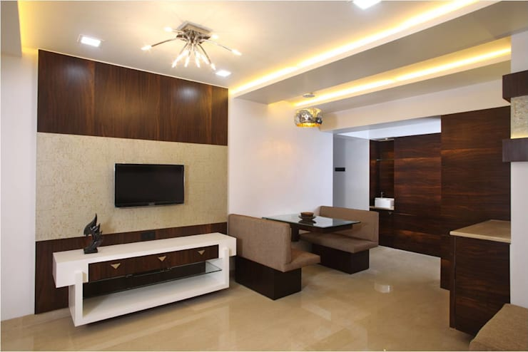 Living Room:  Living room by Squaare Interior