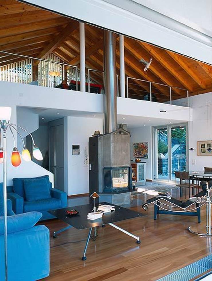 Villa Hupfer Interni 5: Case in stile  di ABITA PIÙ