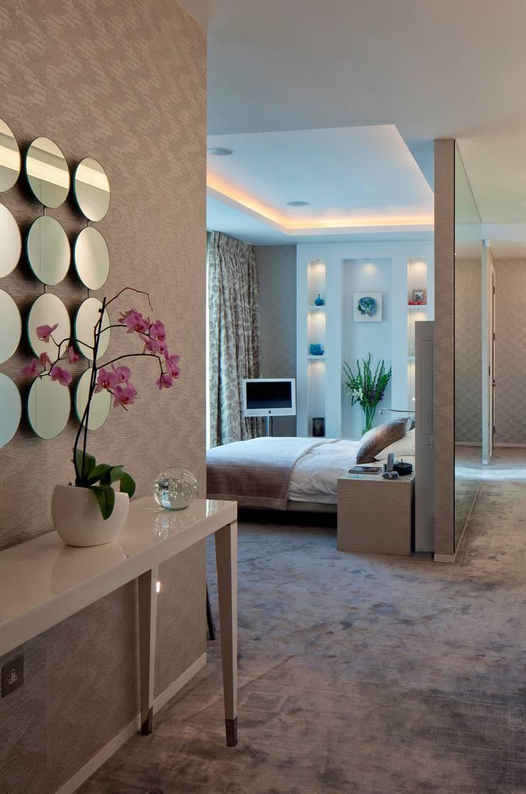 Apartment in Hampstead Heath:   by Folio Design