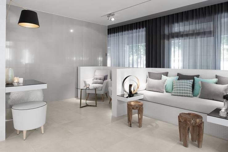 LIVE - Restaurante e SPA Showroom LoveTiles: Salas de estar  por Ana Rita Soares- Design de Interiores