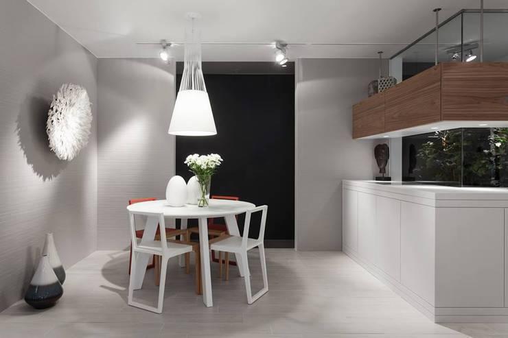 BE - Loft: Salas de jantar ecléticas por Ana Rita Soares- Design de Interiores