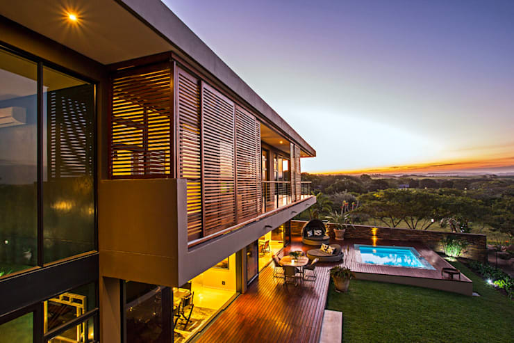 in stile  di Metropole Architects - South Africa