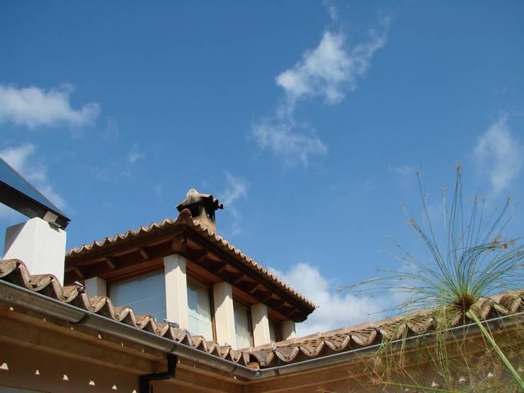 ALARO: Casas de estilo  de ignacio goiria