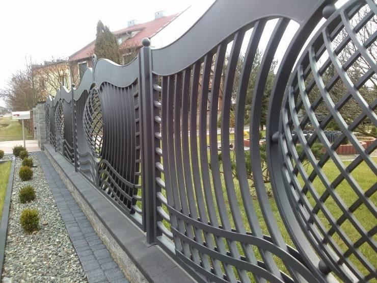 Jardines de estilo  por Triumph-Zaunsysteme