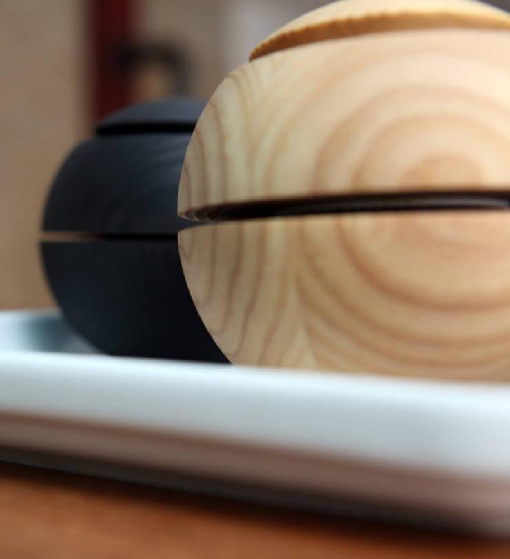 Gewürzmühle mit Scheibenmahlwerk:   von Harris/Kohl Produktentwicklung,Minimalistisch